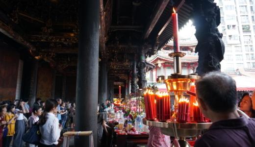 観光客も多く訪れる「龍山寺」と若者の街「西門町」のゲームセンター