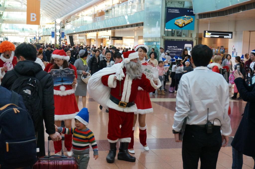 空港でX'mas!JAL 合唱フロイデ/JAL SILVER WINGSのライブステージ