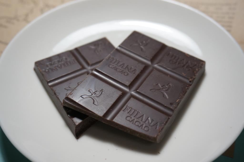 フィジー産カカオを使用したチョコレート「FIJIANA CACAO」レビュー