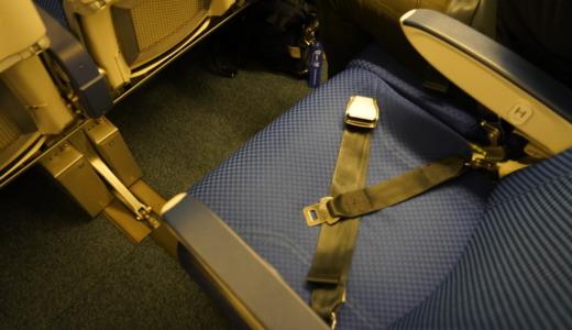 B777-281/ERの後方座席は3列から2列に!ANAのNH82便で新千歳から羽田へ