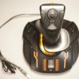 MSF対応のパソコン用ジョイスティック!THRUSTMASTER「T.16000M」レビュー